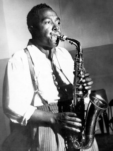 Photocredit :http://www.northcountrypublicradio.org/news/npr/237040499/the-birth-of-bird-young-charlie-parker-found-focus-faith-in-music